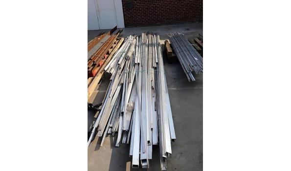 lot aluminium profielen en buizen