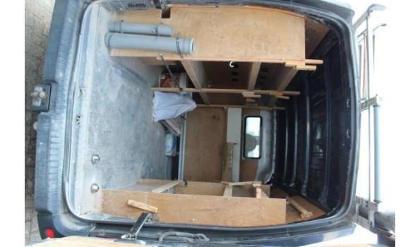 lichte vrachtwagen RENAULT MASTER, diesel, 2299cm³, 92kW, 1e inschr 23/02/12, chassisnr VF1MAFEDC46531656, km stand volgens laatste keuring dd 10/3/21: 106.415, compl met kentekenbewijs, gelijkvormigeheidsattest, 2sleutels, keuring tot 01/3/22,