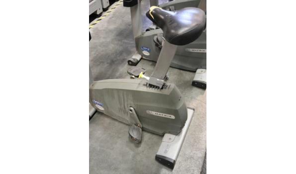 hometrainer MATRIX, vv hartslagvoeler enz pedalen beschadigd