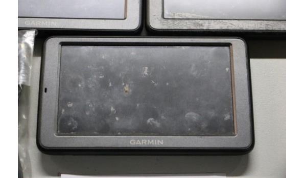 3 gps toestellen GARMIN DEZL 560 plus toebehoren