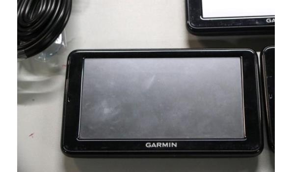 3 diverse gps toestellen GARMIN plus toebehoren