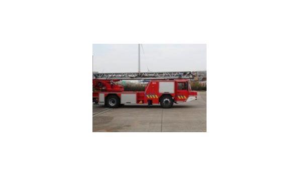 Ladderwagen IVECO FF 150 E27 NB, diesel, 7860cm³, kW ng, 1e inschr 18/12/1998, chassisnr ZCFA1LLH002248341, plm 118.532km, CO²-uitstoot ng, EURO2,  Cabine: 1+2, aanwezig: sleutel, inschrijvingsbewijs, gelijkvormigheidsattest, keuringskaart;
