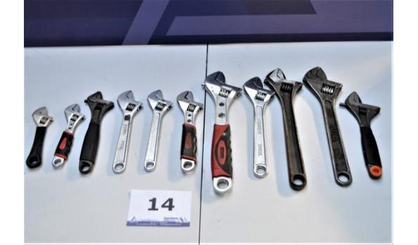 11 diverse verstelbare moersleutels