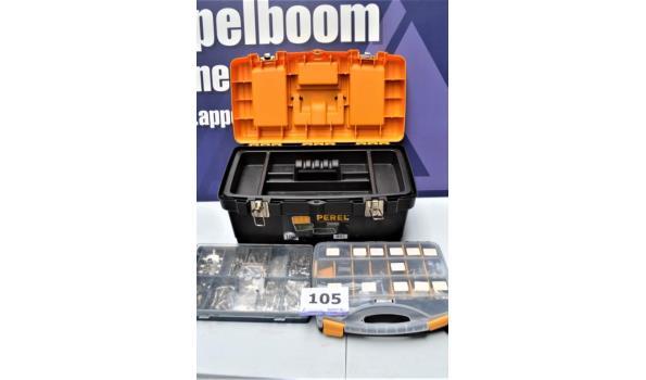 pvc gereedschapskoffer en 2 pvc opbergkoffertjes met inhoud
