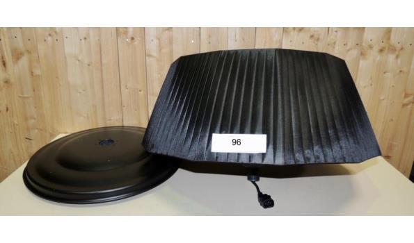 Terrasheater Deco Design 2000W type staand. In werkende staat