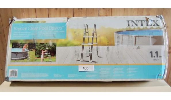 Zwembadtrap voor opzet zwembad fabr. Intex type 28075 veiligheidstrap hoog 1.1mtr. Licht beschadigd