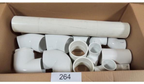 Diverse PVC hulpstukken o.a. spears