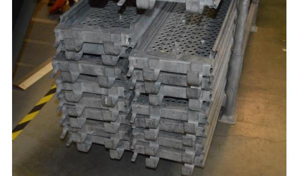 stalen bok inhoudende 14 aluminium steigerplanken l 2,5m