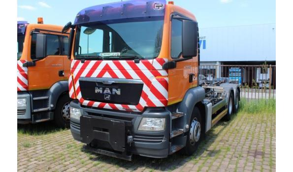 containervrachtwagen MAN TGS 26.360 6x4,diesel,10516cm³,264kW,1e inschr 11/06/09,chassisnr WMA26SZZ19M546352,km niet gekend-laatste km volgens keuring 04/03/21: 174680km,CO2-uitstoot: ng, EURO5,kenteken DEEL I+II,gelijkvormigheidsattest,1sleutel,