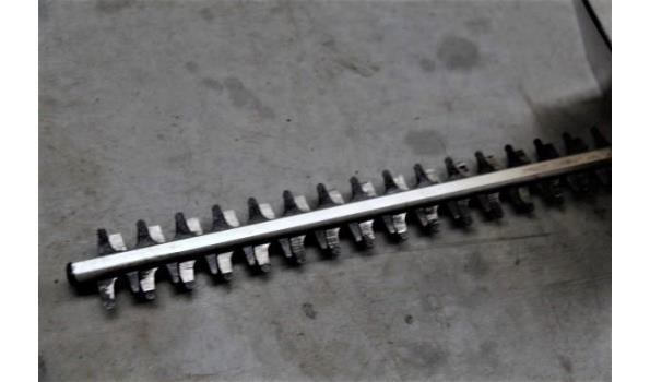 elektrische heggenschaar AEG, type HS 50 (004-255), werking niet gekend