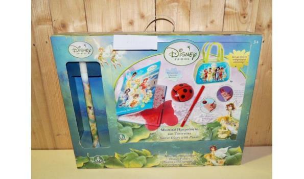 Geheim Dagboek met tasje fabr. Disney zijnde Tasje , Kaars , Dagboek , 2x pen met onzichtbare inkt , lieveheersbeestje die de inkt zichtbaar maakt.