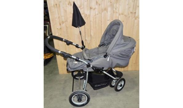 Kinderwagen fabr. Pericles type 3 wieler compleet met draagmand- voetenzak-parasol-regenhoes en Maxi Cosi onderstel