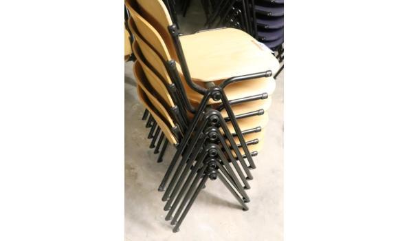 6 stapelbare stoelen, houten zitting