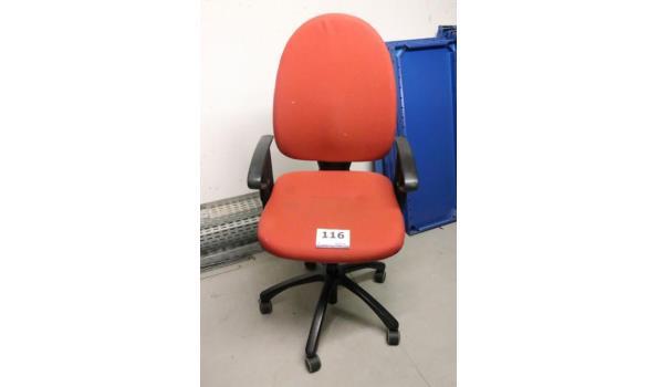 3 diverse verr bureaustoelen, stof bekleed