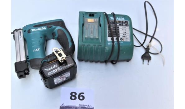 accu nietjesmachine MAKITA DST221, werking niet gekend