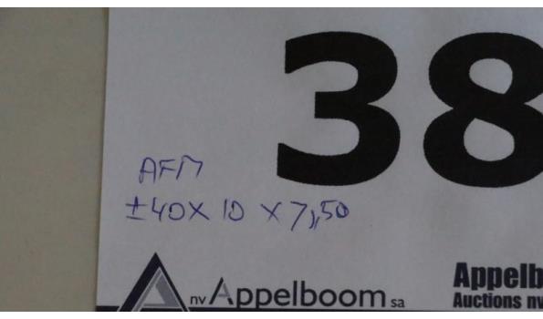 wandkapstok voor 5 jassen, afm plm 40x40x7,5cm