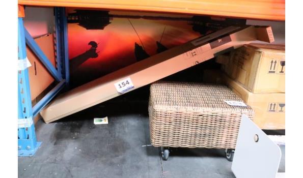 open houten opbergkast, afm plm 135x72cm