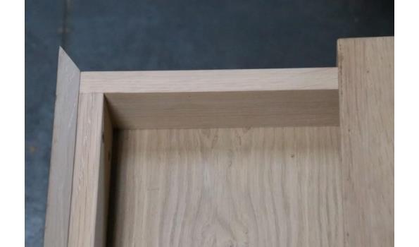 2 div design houten  bijzettafels, licht beschadigd