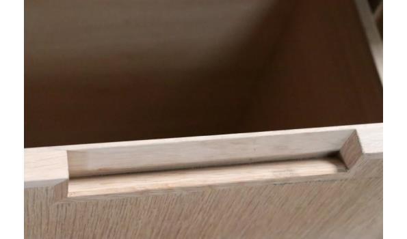 houten wandmeubel, afm plm 100x40x91cm, beschadigd