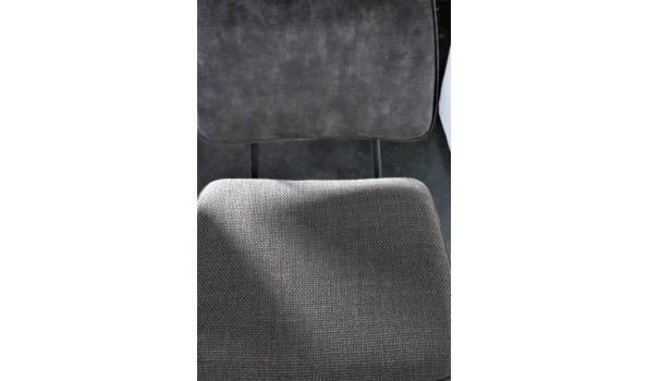2 design stoelen, stof bekleed
