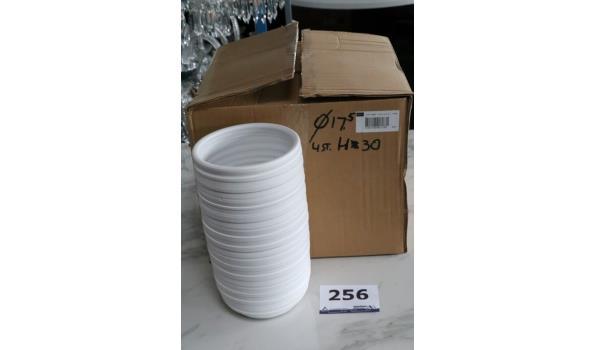 4 witte vazen, h plm 30cm, diam plm 17,5cm