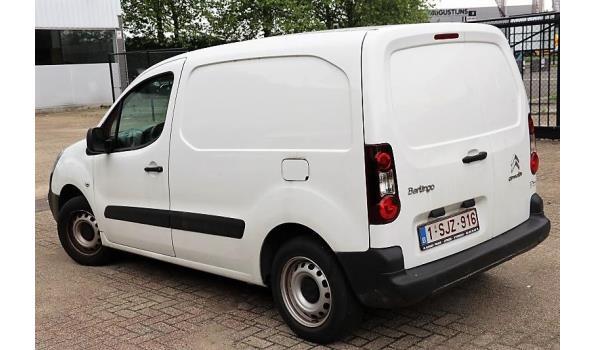 lichte vrachtwagen CITROEN BERLINGO, diesel, 1598cm³,72kW,1e inschr 29/05/17, chassisnr VF77B5FK6HJ621963, 7732km, CO²-uitstoot 150g/km,EURO6b, met kenteken DEEL I en II, gelijkvormigheidsattest, keuring tot 03/12/20, 2sleutels