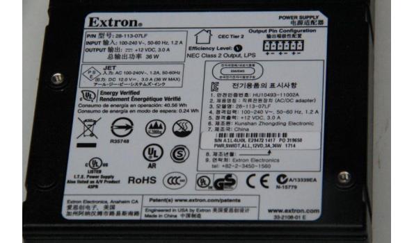 lot diversen wo pvc koffertje inh montagemateriaal, soldeerstation HQ, div kabelsokken, enz