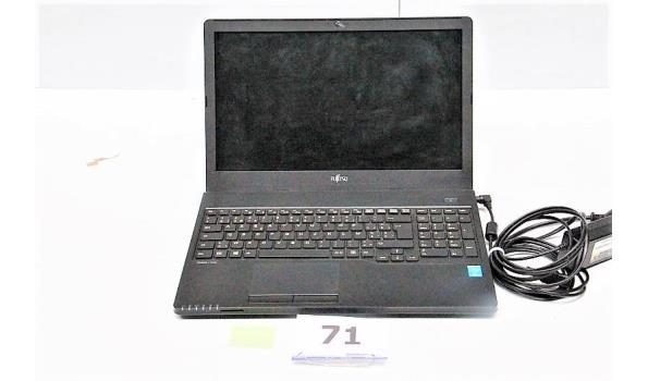 laptop FUJITSU Lifebook A555, paswoord niet gekend, met lader