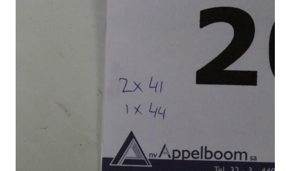 3 paar werklaarzen DUNLOP, m44 en 2xm41