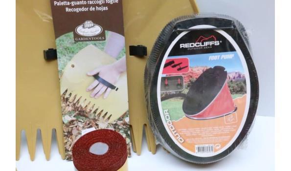 lot diversen wo onderhoudsprodukten voor hout, schuurrol, voetpomp, handreiniger