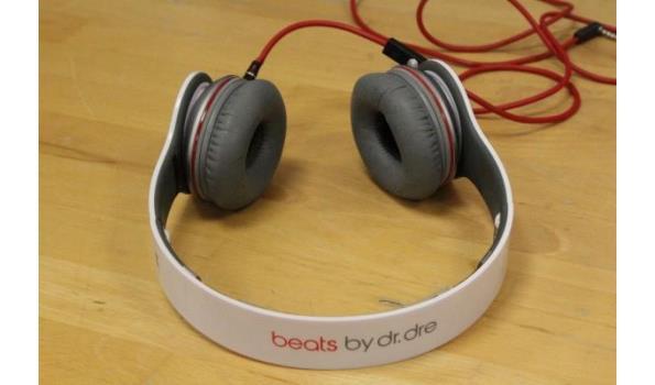 2 div hoofdtelefoons BEATS, zonder kabels, werking niet gekend
