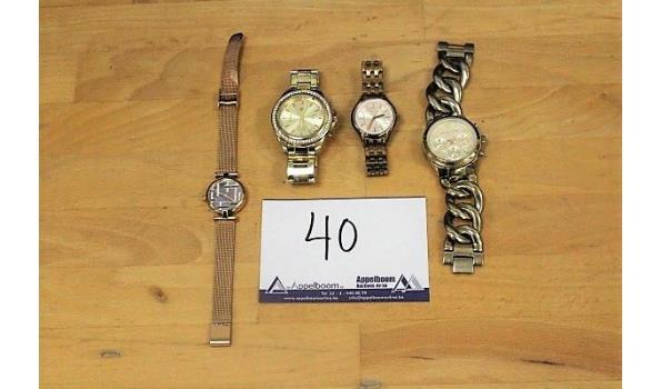 4 div horloges wo FOSSIL
