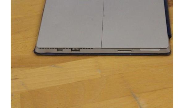 tablet pc MICROSOFT Surface, Intel Core i7, zonder lader, paswoord niet gekend, werking niet gekend, met cover/toetsenbord, beschadigd