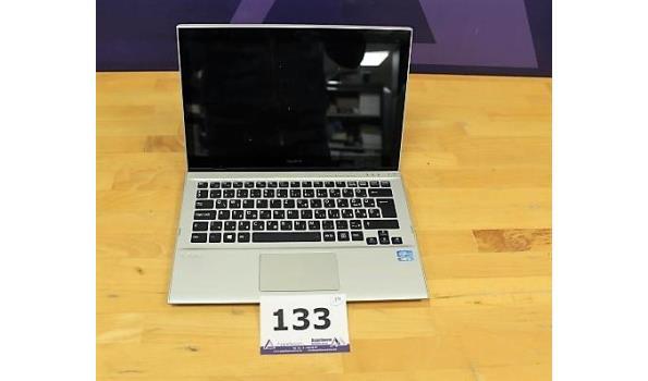 laptop SONY, Vaio, Intel Core i5, 120 Gb SSD, zonder lader, paswoord niet gekend, licht beschadigd, werking niet gekend