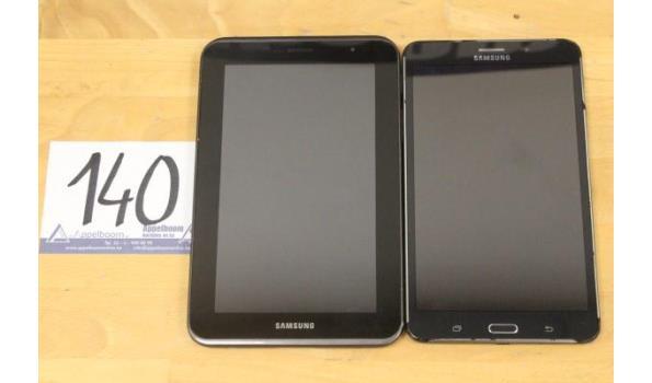 2 diverse tablet pc