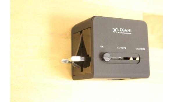 3 reisstekkers/adapters LEGAMI