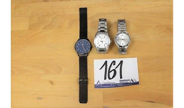 3 div horloges