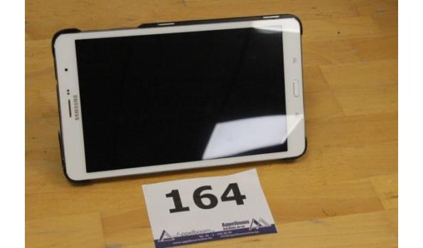 tablet pc SAMSUNG SM-T325, 16Gb, zonder lader, met gebruikssporen, werking niet gekend, paswoord niet gekend