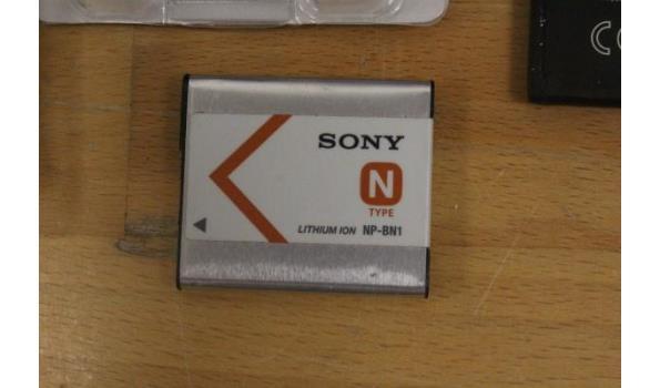 5 diverse batterijen wo SONY en CANON, voor oa digitale fototoestellen
