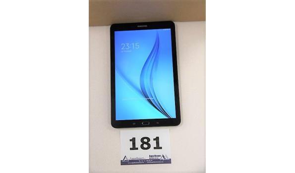 tablet pc SAMSUNG SM-T560, cap 8Gb, met gebruikssporen wo krassen, zonder lader, paswoord niet gekend, werking niet gekend