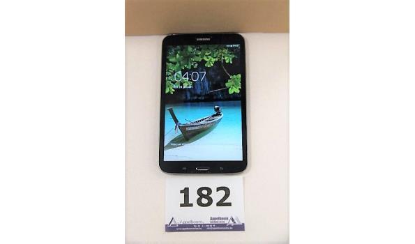 tablet pc SAMSUNG SM-T310, cap 16Gb, met gebruikssporen wo krassen, zonder lader, paswoord niet gekend, werking niet gekend