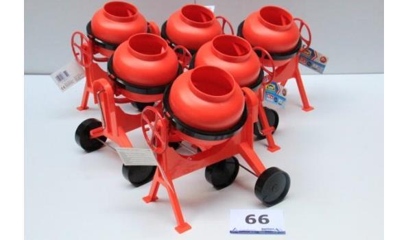 6 speelgoed betonmolens
