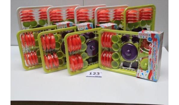 8 speelgoed serviessets