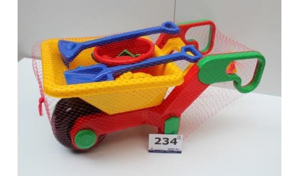 4 speelgoedkruiwagens met strandspeelgoed