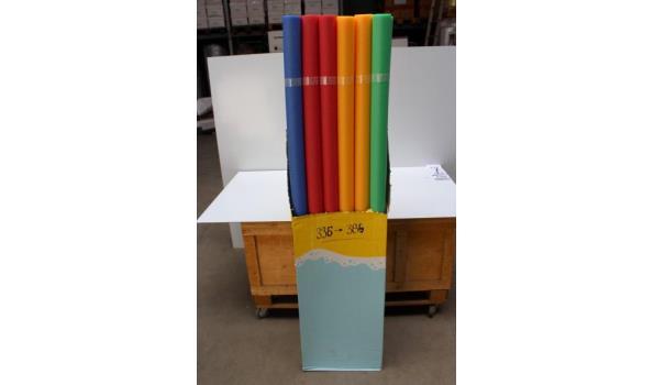 doos inh 24 zwembad noodles, in 4 div kleuren