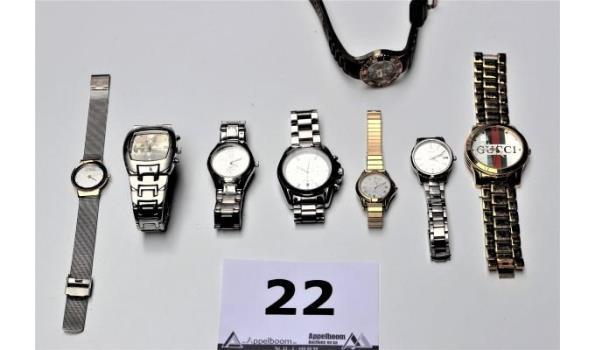 8 diverse horloges w.o. GUCCI, CASIO, MICHAEL KORS enz