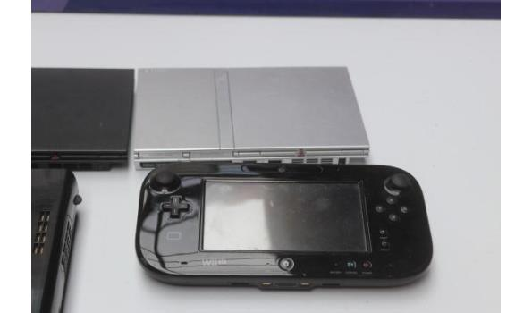 4 diverse spelconsoles w.o. SONY