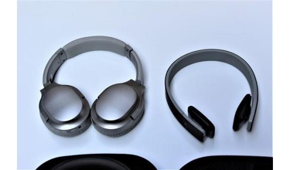 4 diverse koptelefoons