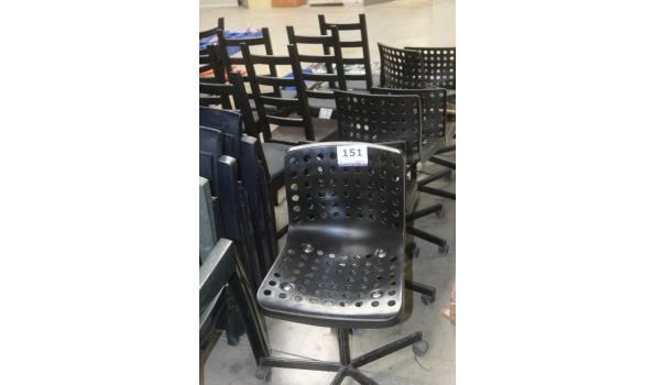 lot stoelen