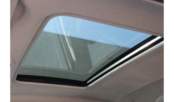 hatchback FORD FIESTA, benzine, 1388cm³,59kW,1e inschr 13/04/04, WF0DXXGAJD4A69833, 135814km, 152g/km, EURO4, met kentekenbewijs, gelijkvormigheidsattest, keuring geldig tot 14/05/22, 2sleutels,